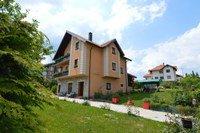 Smeštaj na planini Zlatibor, vila u cveću