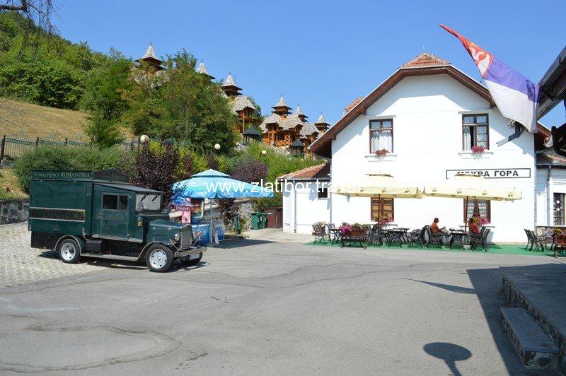 zeleznicka-stanica-sarganske-osmice-na-mokroj-gori-07