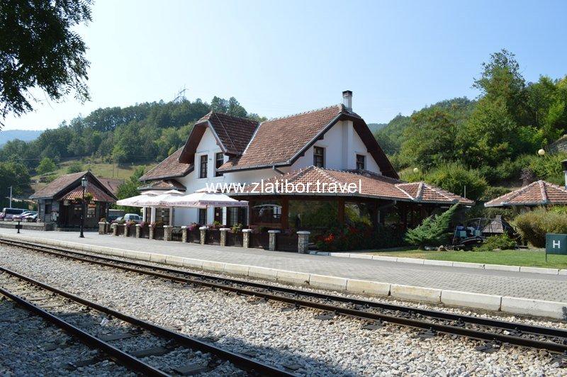 zeleznicka-stanica-sarganske-osmice-na-mokroj-gori-12