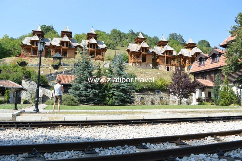 zeleznicka-stanica-sarganske-osmice-na-mokroj-gori-14