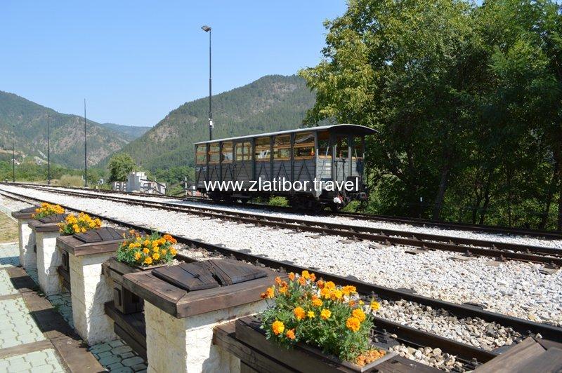 zeleznicka-stanica-sarganske-osmice-na-mokroj-gori-16