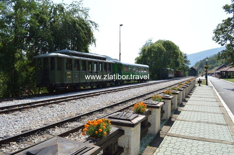 zeleznicka-stanica-sarganske-osmice-na-mokroj-gori-17
