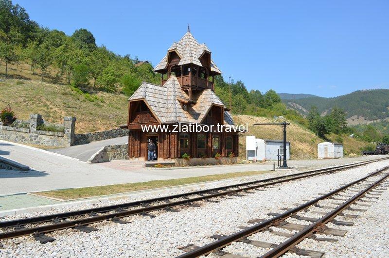 zeleznicka-stanica-sarganske-osmice-na-mokroj-gori-18