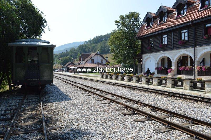 zeleznicka-stanica-sarganske-osmice-na-mokroj-gori-20