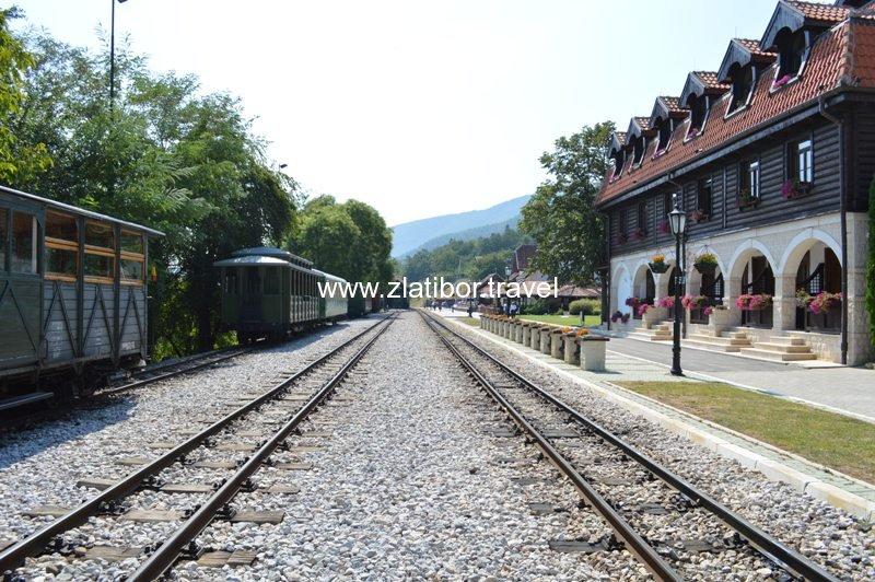 zeleznicka-stanica-sarganske-osmice-na-mokroj-gori-21