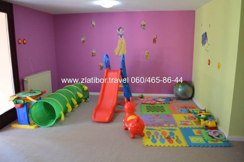 zlatibor-travel-hotel-mir-prostorija-za-decu-2