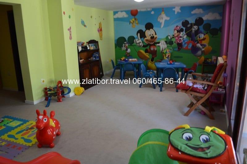 zlatibor-travel-hotel-mir-prostorija-za-decu-3